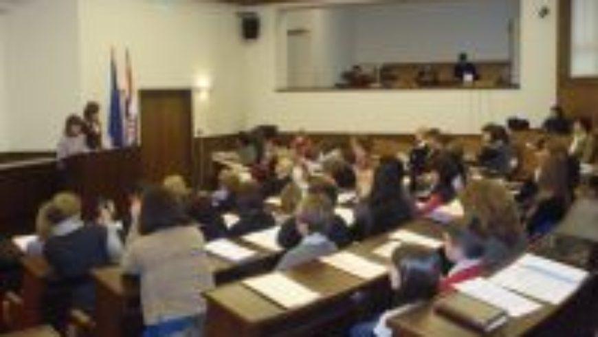 Djeca iz dječjih foruma u Hrvatskome saboru