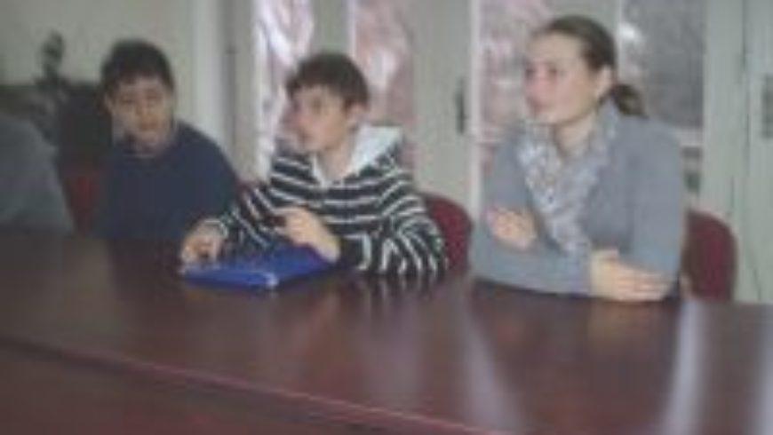 Dječji gradonačelnik sa suradnicima posjetio Ured pravobraniteljice u Osijeku