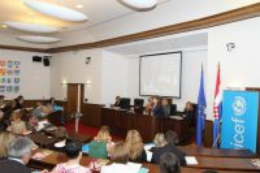 """Predstavljena """"Analiza stanja prava djece i žena u Republici Hrvatskoj"""""""