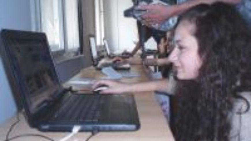 Multimedijska izložba dječjih radova o sigurnosti na internetu