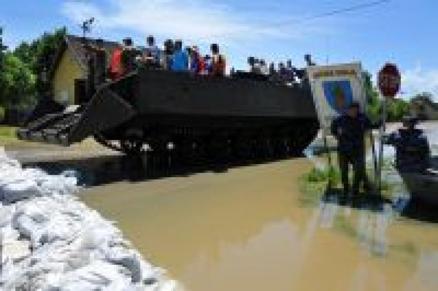 Posjet djeci iz poplavljenih područja smještenoj u Cerni i Otoku
