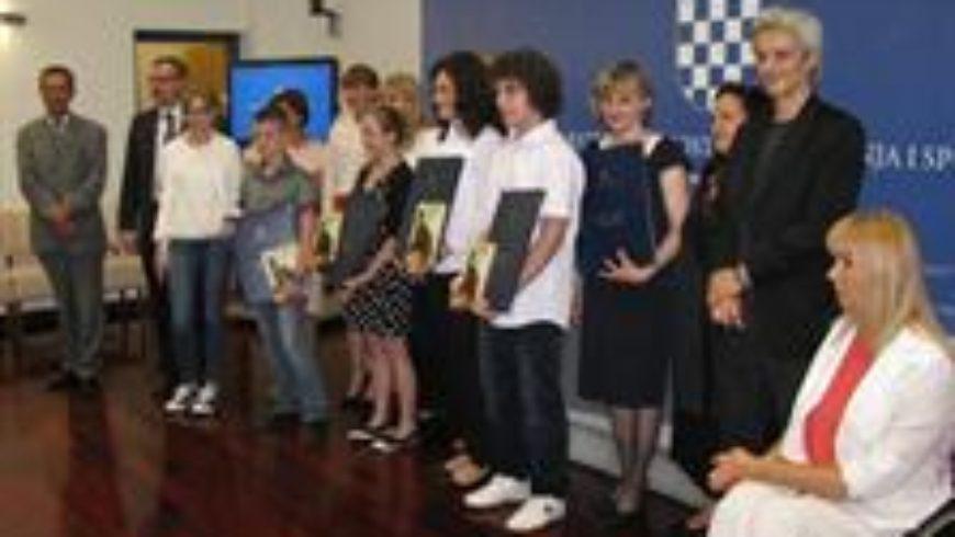 """Dodjela Nagrade """"Luka Ritz"""" za školsku godinu 2013./2014."""
