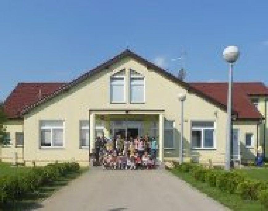 Posjet osnovnim školama u Boboti i Bršadinu