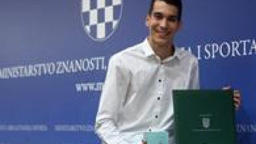 """Domagoj Topić dobitnik nagrade """"Luka Ritz"""""""