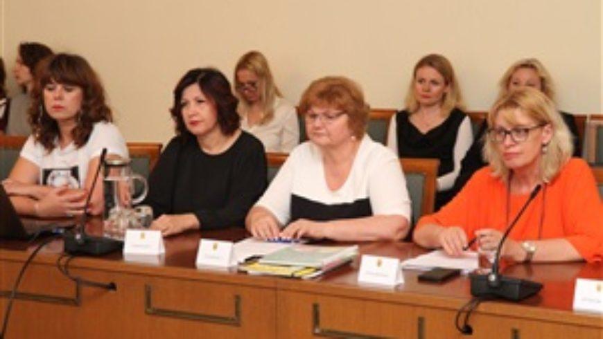 Rasprava saborskog odbora za zdravstvo i socijalnu politiku o preprekama posvajanju djece u Hrvatskoj