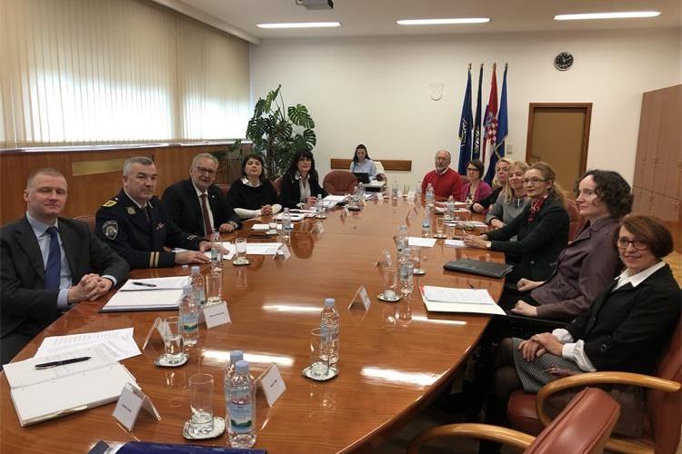 Sastanak pravobraniteljica s ministrom Božinovićem