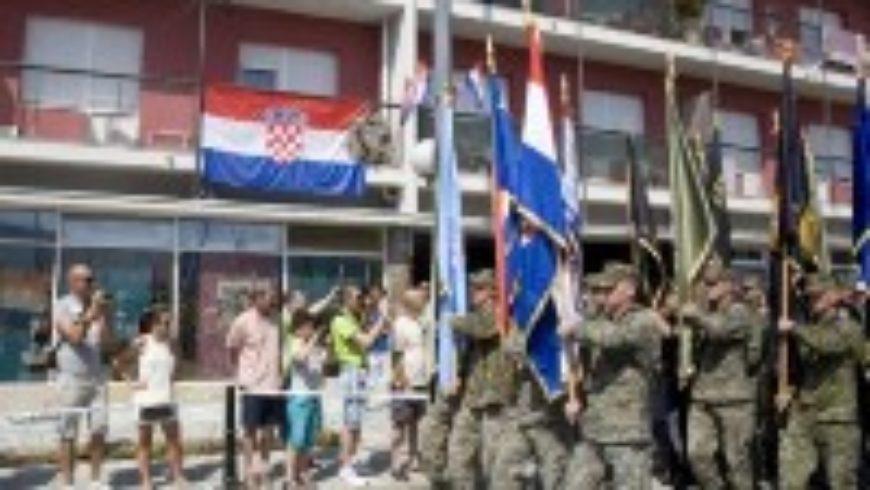 Svečanost u Kninu uz Dan pobjede i domovinske zahvalnosti
