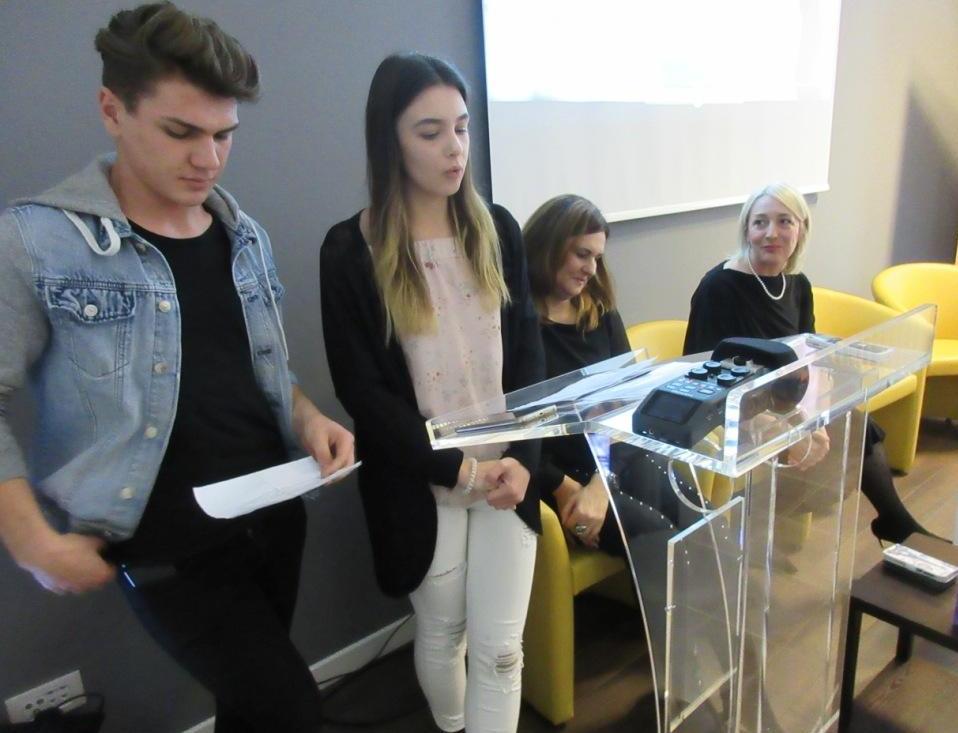 """Učenici iz Zaboka otvorili izložbu """"Poznajem i poštujem dječja prava"""""""