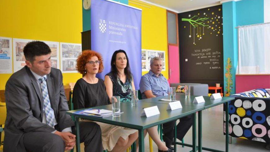 """U Kaznionici u Požegi predstavljen projekt """"Neprekinuta veza – povezujuće roditeljstvo iza rešetaka"""""""