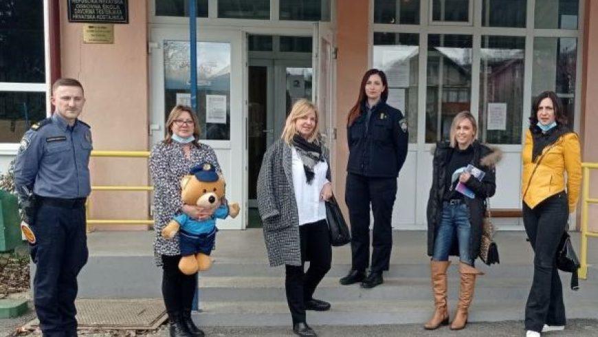 Posjet školi i dječjem vrtiću u Hrvatskoj Kostajnici